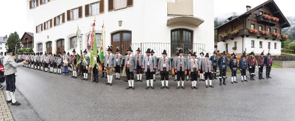 Bergmann Hans / 2_aufstellung_-_gemeindehaus__72dpi_u._2000pixel_breit___kopie / Zum Vergrößern auf das Bild klicken