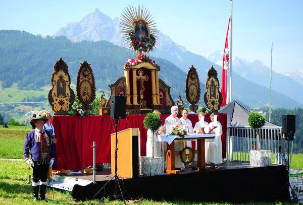 Schützenbataillon Sonnenburg / Bataillonsfest Patsch Altar / Zum Vergrößern auf das Bild klicken