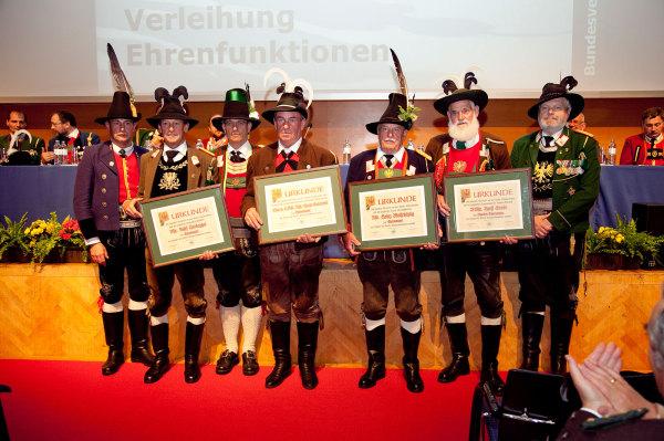 Leitner Klaus / bv2011-ehrenmajore / Zum Vergrößern auf das Bild klicken