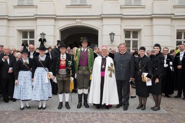 Deutscher Orden Investitur Innsbruck / Todestag Maximilian / Zum Vergrößern auf das Bild klicken