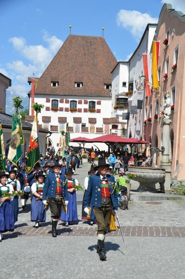 Speckbacher Schützen Hall / Fronleichnam / Zum Vergrößern auf das Bild klicken