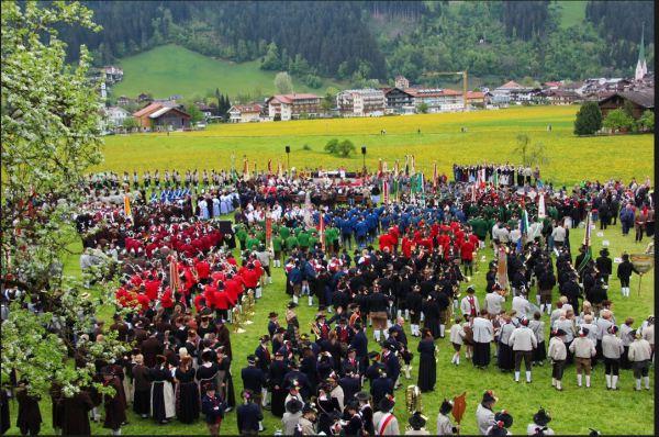 Alfons Turozzi / Gauderfest Feldmesse / Zum Vergrößern auf das Bild klicken