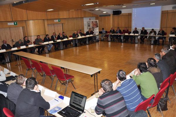 Südtiroler Schützenbund / grundung-tiroler-schutzen-in-brixen-versammlung26112011 / Zum Vergrößern auf das Bild klicken