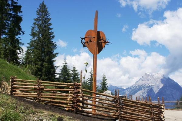 Sk Inzing / herz-jesu-skulptur-100617 / Zum Vergrößern auf das Bild klicken