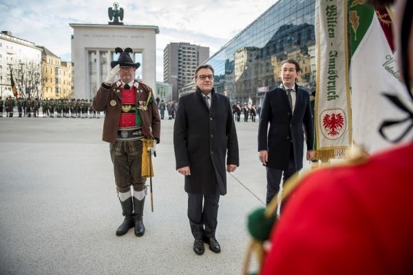 Thomas Saurer / Besuch Kurz / Zum Vergrößern auf das Bild klicken