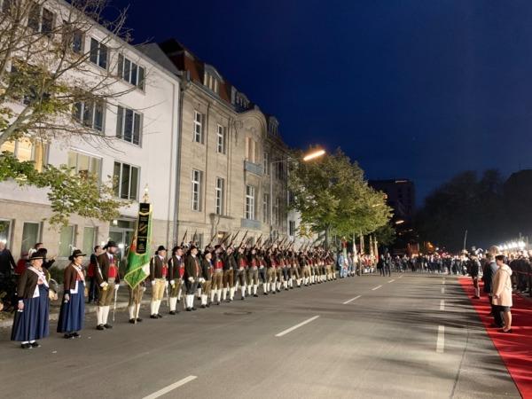 Land Tirol / St. Johann Berlin / Zum Vergrößern auf das Bild klicken