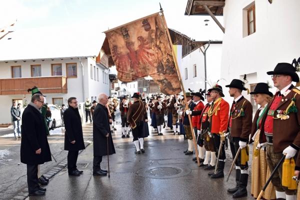 Land Tirol Oswald / Partl 90er / Zum Vergrößern auf das Bild klicken