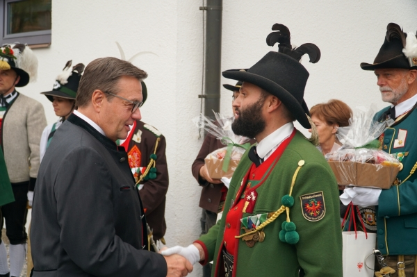 Günther Reichel / lh_gratuliert_pinzger / Zum Vergrößern auf das Bild klicken