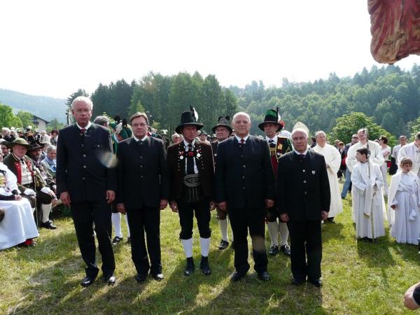 Toni Erhard / minister_dr._tochterle_mit_den_hauptmannern_und_landeskommandanten / Zum Vergrößern auf das Bild klicken