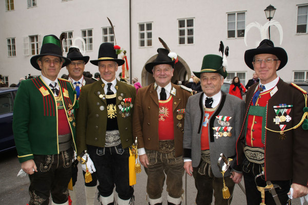 Kowatsch Hans / offiziere-bei-verabscheidung-kothgasser