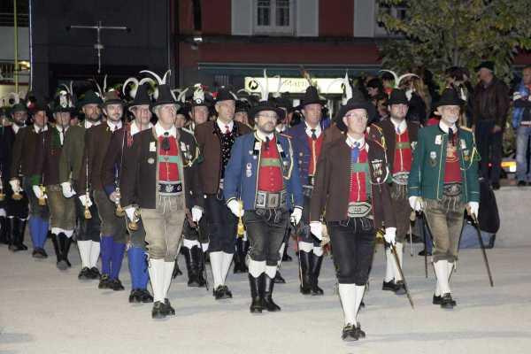 Land Tirol Die Fotografen / offizierskurs_zapfenstreich_2012 / Zum Vergrößern auf das Bild klicken
