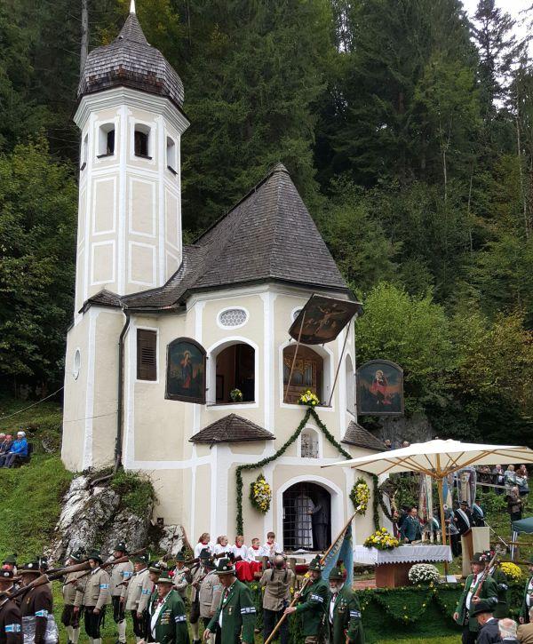 Susanne Baumgartner / Ölbergkapelle Sachrang / Zum Vergrößern auf das Bild klicken