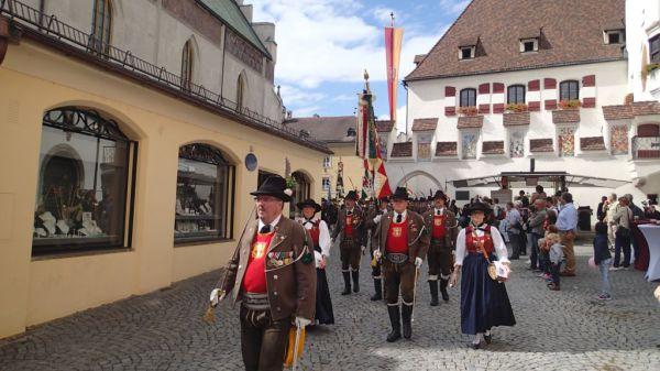 Speckbacher Schützen Hall / Straubschützen Hall / Zum Vergrößern auf das Bild klicken