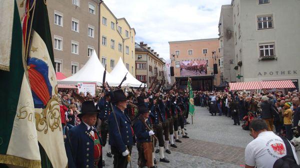 Speckbacher Schützen Hall / Euregio Salve / Zum Vergrößern auf das Bild klicken