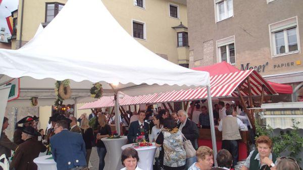 Speckbacher Schützen Hall / Euregio Stand Bezirk / Zum Vergrößern auf das Bild klicken