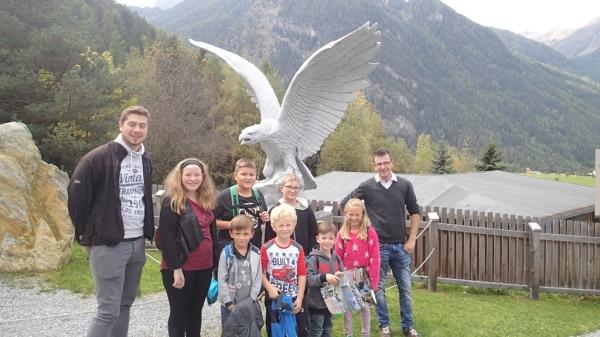 Speckbacher Schützen Hall / Greifvogelpark Hall / Zum Vergrößern auf das Bild klicken