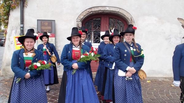 Speckbacher Schützen Hall / Einweihung Pfarrkirche / Zum Vergrößern auf das Bild klicken