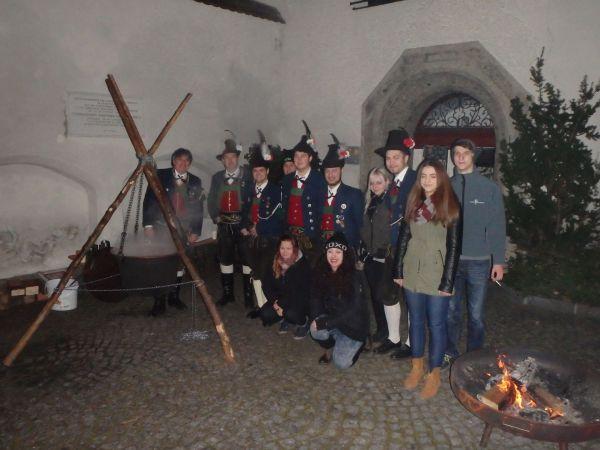 Speckbacher Schützen Hall / Punschaktion / Zum Vergrößern auf das Bild klicken