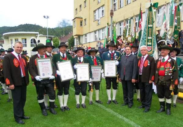 Erna Pfeifer, Kappl / Regimentsverdienstmedaille 2012 / Zum Vergrößern auf das Bild klicken