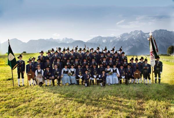 Manfred Arnold / Schuetzenkompanietulfes2018 / Zum Vergrößern auf das Bild klicken