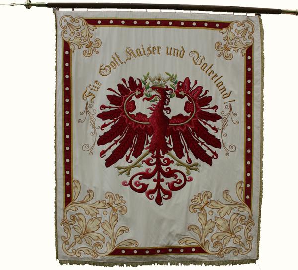 Manfred Weiss / sk-inzing_rote-fahne / Zum Vergrößern auf das Bild klicken
