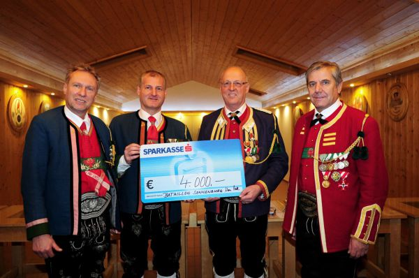 Schützenbataillon Sonnenburg / Hassl / Spende Sellrain 2016 / Zum Vergrößern auf das Bild klicken