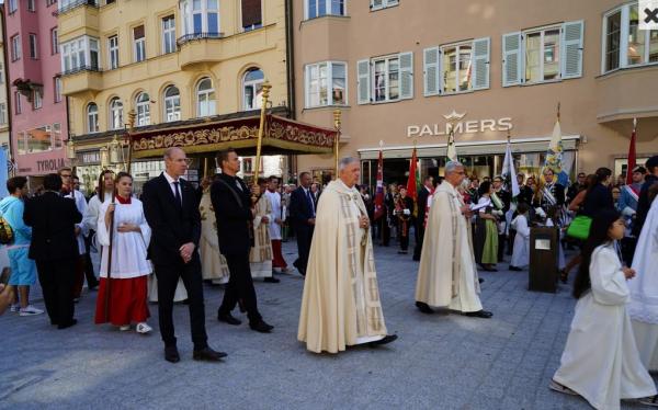 Erich Staudinger / Fronleichnam Innsbruck / Zum Vergrößern auf das Bild klicken