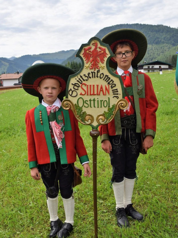 Wörgötter / Bataillonsfest St. Ulrich / Zum Vergrößern auf das Bild klicken