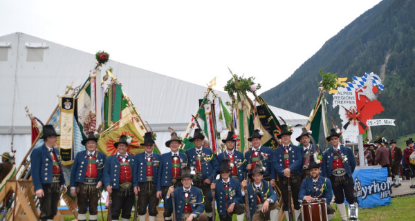 Speckbacher Schützen Hall / Speckbacher Alpenregionstreffen / Zum Vergrößern auf das Bild klicken