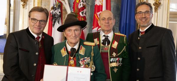 Land Tirol Die Fotografen / Ehrenzeichen 2019 / Zum Vergrößern auf das Bild klicken