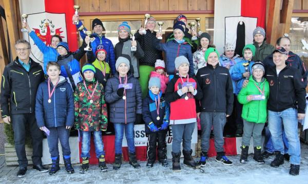privat / Jungschützen Eisstock Wintersteller / Zum Vergrößern auf das Bild klicken