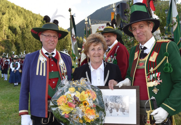 Manfred Hassl / Jubiläum Grinzens / Zum Vergrößern auf das Bild klicken