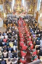 Bestattung Jesacher / Kniet nieder zum Gebet / Zum Vergrößern auf das Bild klicken